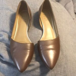 Brown pointed flats
